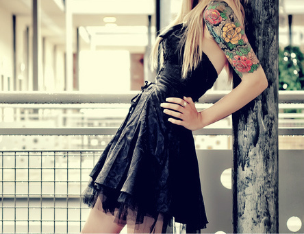Blonde-dress-girl-tattoo-favim.com-283822_large