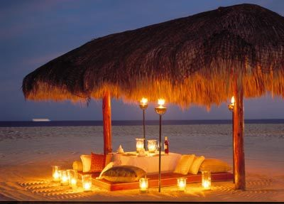 Romantic-beach-dinner-wallpaper_large