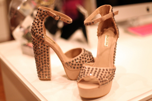 Fashion-girl-heels-photography-shoes-favim.com-287237_large