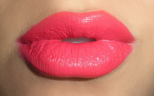 Cute-fashion-like-lips-lipstick-favim.com-287424_large