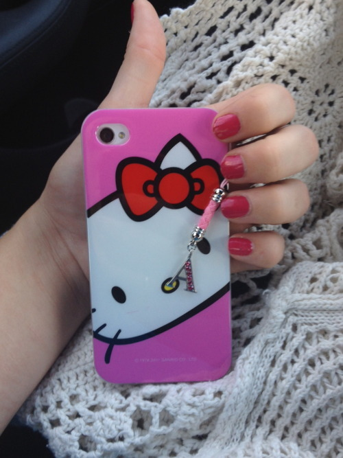 tumblr lyypsuUyQz1qe0hfso1 500 large    i love my new phone case &lt;3