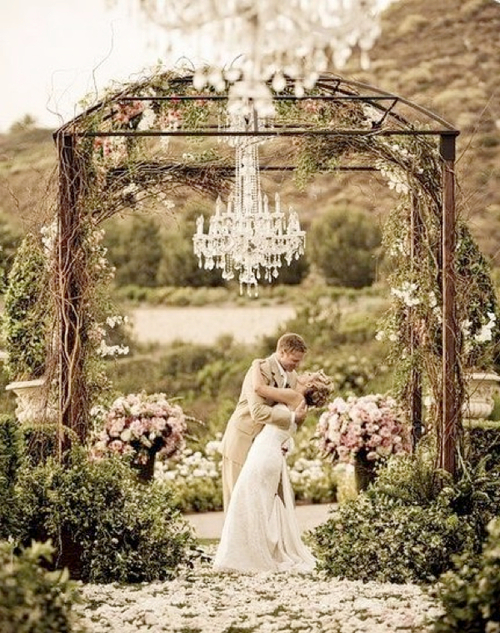 Romantic-wedding-venue-ideas.001_large
