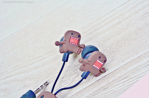 Cute-domo-earphones-favim.com-299909_large