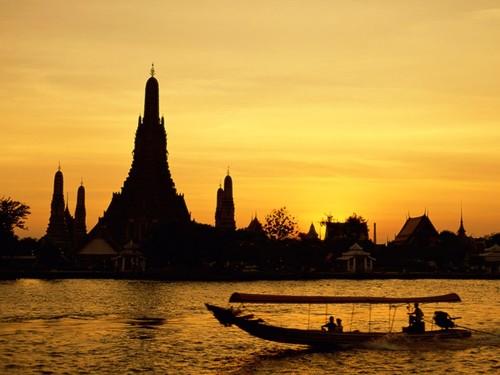 Wat_arun_bangkok_thailand_large