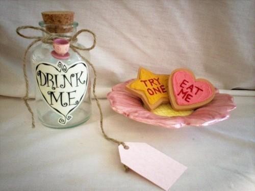 Bottle,drink,eat,me,heart,try,me-a011e7c2d285d0594295f2ed355b9b01_h_large