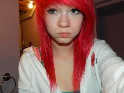 Red Scene Hair http://weheartit.com/entry/22912654