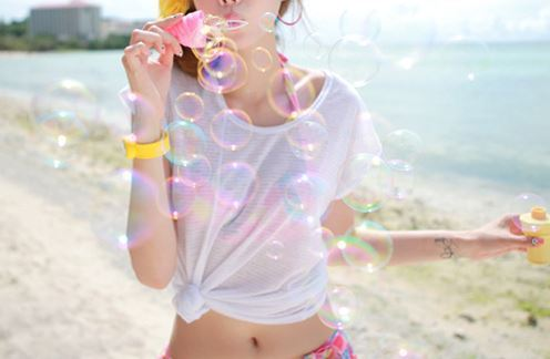 Bubbles-girl-photography-sea-favim.com-302859_large