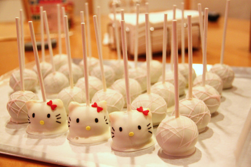 Hello Kitty Cake Pops | ((( CAKELOVE )))