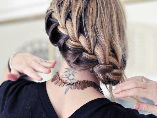 Amazing-hairstyle-different-braids-bun-blonde-colored-purple-pink-maron-french-braid-flower-braid-long-hair+(58)_large