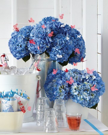 Decorating for a baby shower by martha stewart for Baby shower decoration ideas martha stewart