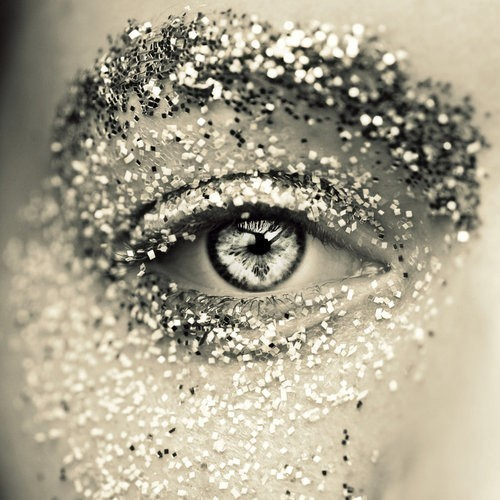 Bling-eye-glitter-make-up-shiny-favim.com-262760_large