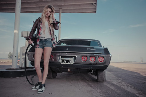 Blonde-car-girl-petrol-filling-station-favim.com-140785_large