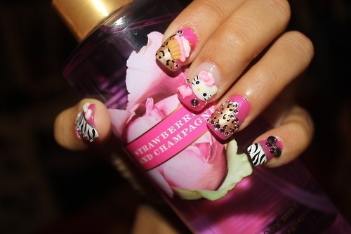 Hello_kitty_nails_654_large
