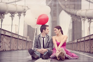 Balloons,couple,engagement,romantic-9488f96a711947220c38aa995f188db1_h_large