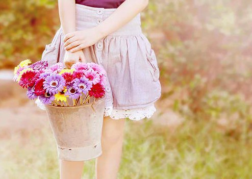 Bucket-cute-fashion-flowers-girl-favim.com-318927_large