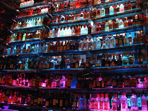 Alcohol-bar-club-liquor-variety-favim.com-317325_large