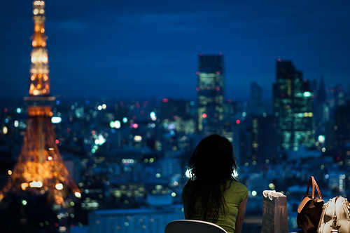 Beautiful-girl-nice-night-paris-this-is-tokyo-tower-favim.com-48450_large