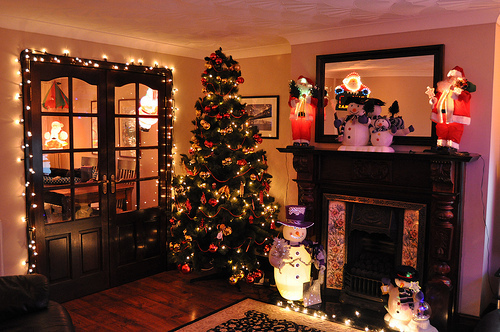 Christmas-christmas-tree-decorations-festive-house-favim.com-317669_large