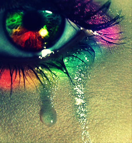 Rainbow_eye_by_depressionis_my_hate_large