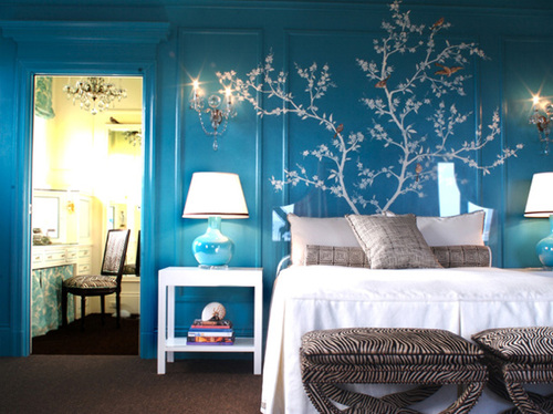 Blue-and-white-bedroom-with-white-tree-mural_large