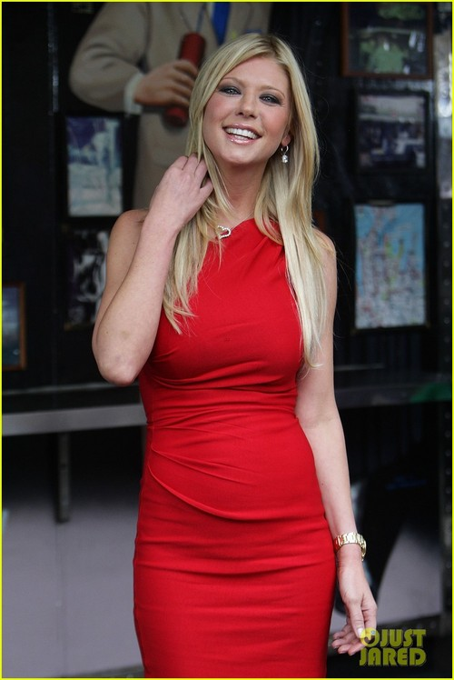 Jason-biggs-tara-reid-american-reunion-photo-call-03_large