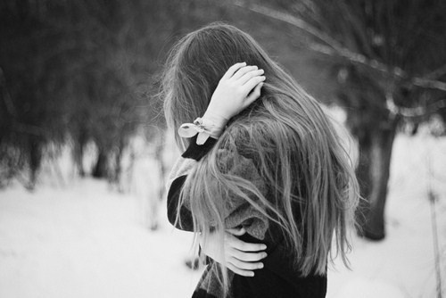 Black-and-white-crying-cute-girl-hair-favim.com-325351_large
