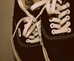 vans shoes text
