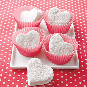 Heart_shaped_marshmallows_large