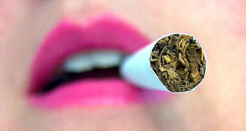 Artsy-joint-lips-perspective-smoke-favim.com-256367_large