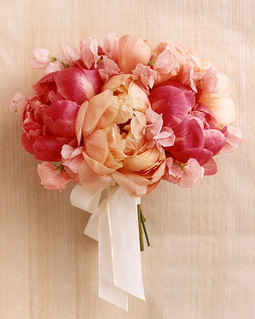 Peony-wedding-bouquet-pictures-24_large