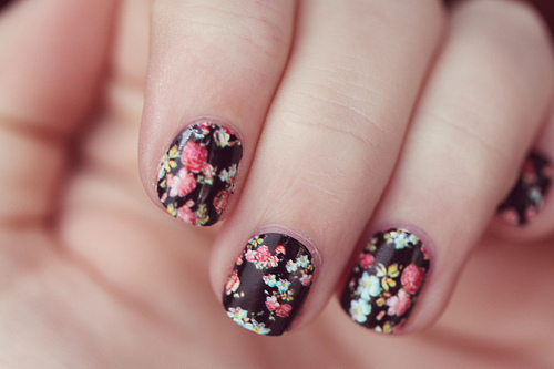 fake nails, floral, flowers, hand, nail polish - inspiring picture on Favim.com