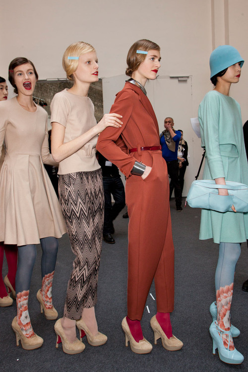 Cacharel_fall_2012_backstage_q_g5i_qt_dbsznx_large