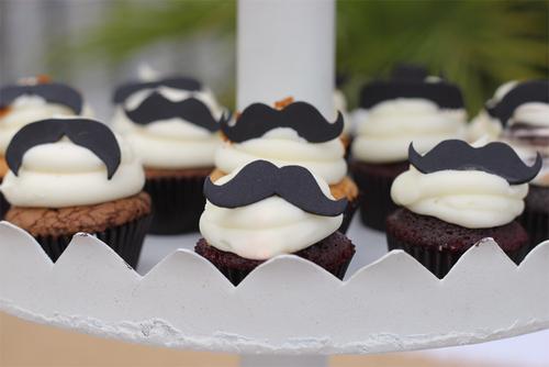Mustache_cupcakes_cu_1000_large