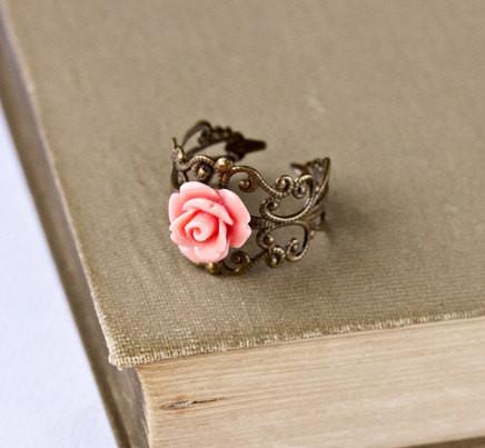 Design_jewelry_pink_ring_rose_vintage-946cd700c31e9b544b82dc065b0033f8_h_large