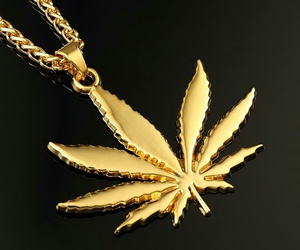 necklace weed