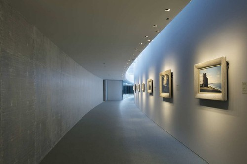 minimalist art gallery of contemporary japanese art by