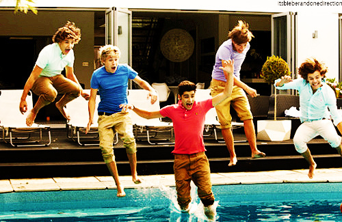 Cute-fun-harry-hot-jump-in-favim.com-335552_large