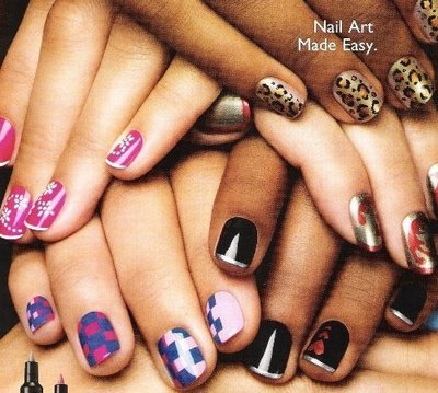 http://data.whicdn.com/images/25130924/beautiful-cute-fashion-hands-nail-color-Favim.com-336836_large.jpg