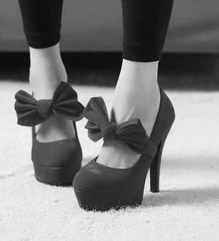 Bow_shoes-b0e05df5f2b83ab2d2835c06fdb8cc0a_h_large