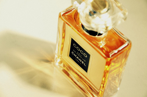 Chanel-chanel-paris-coco-chanel-favim.com-334283_large