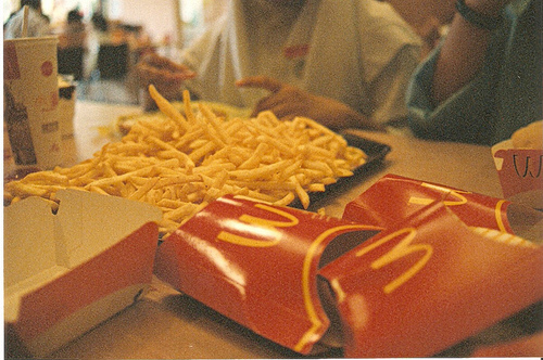 Chips-food-fries-maccas-mcdonalds-favim.com-68840_large