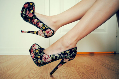 Beautiful-fashion-floral-heels-high-heels-favim.com-333868_large
