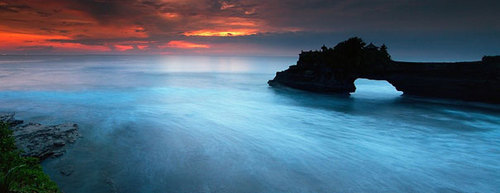 Amazing-places-tanah-lot-bali-1_large