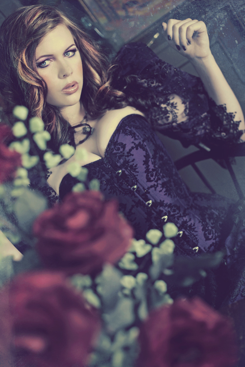 Eyes-flower-flowers-girl-gothic-hair-favim.com-59921_large