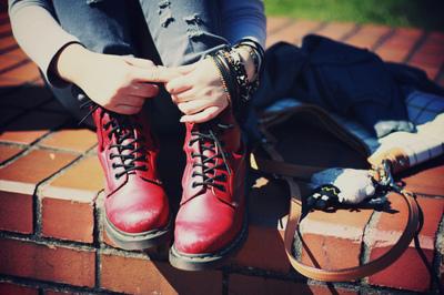 Awesome-boots-braclets-fashion-hands-favim.com-342714_large