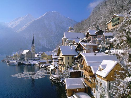 Hallstatt_in_winter_austria_large