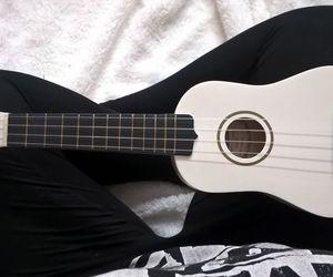 ukulele black white