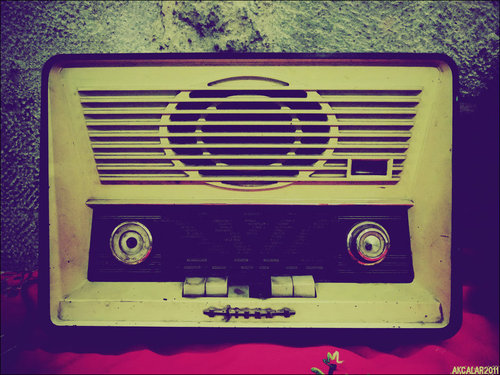 Old_radio_by_akcalar-d45icyz_large