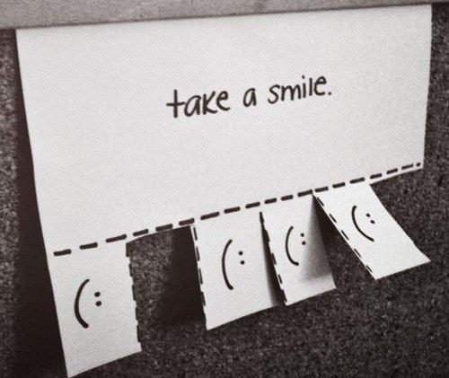 Cute-laugh-paper-smile-take-a-smile-favim.com-345042_large