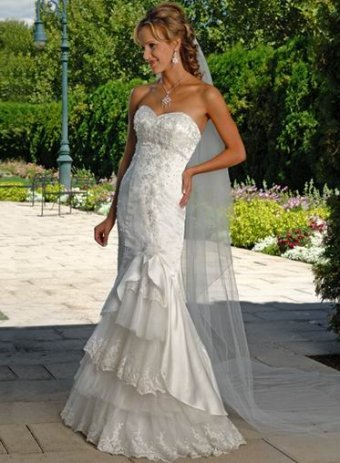 Tiered Skirt Lace Overlay Sweetheart Casual Petite Wedding Dress UD3093
